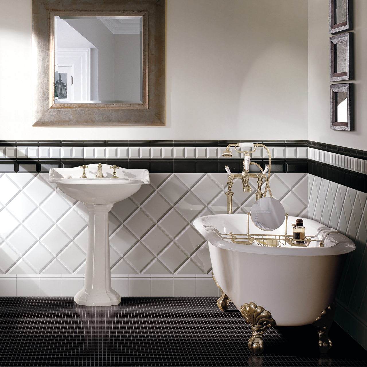 Classic Bathrooms: Devon & Devon - Simply-Ambiente