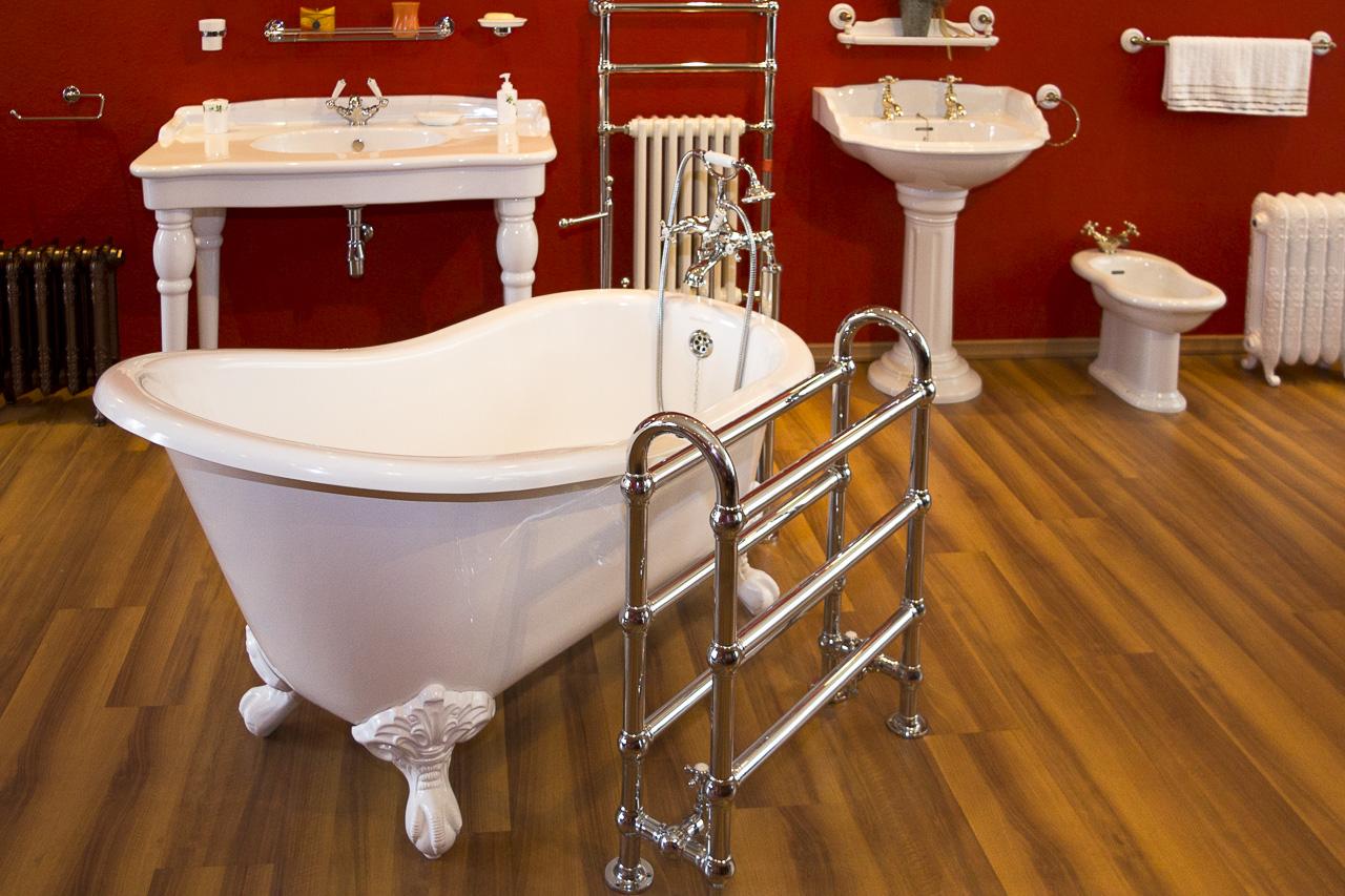 Classic Bathrooms Showroom: Freistehende Badewannen