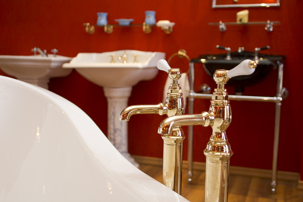 Classic Bathrooms Showroom: Badezimmer-Armaturen