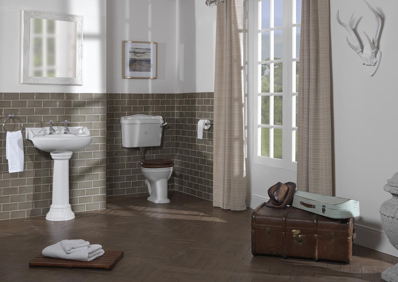 Silverdale Bathrooms: Nouveau Main